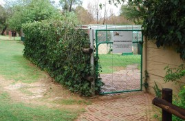 ENTRANCE-TO-KENNELS-01